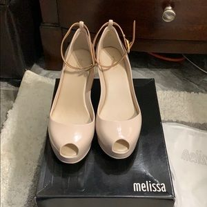 Melissa platform heels size 6